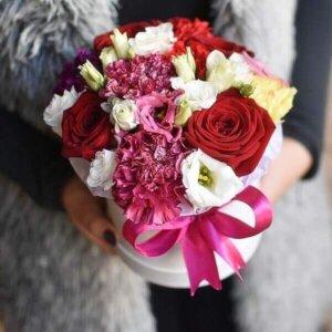 Gėlės pavasaris gėlių dužutėse