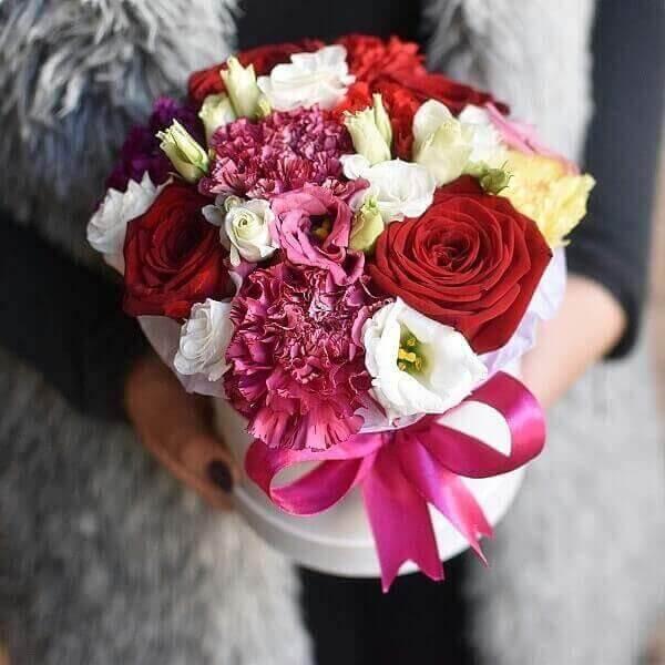 Pavasaris gėlės dėžutėse