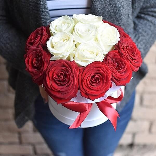 Prabangi rožių dėžutė