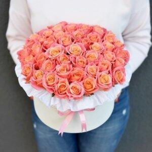 Koralinių rožių dėžutė